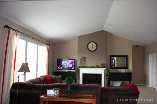 Home Design Inside Living Rooms Paint Colors By Light Brown Walls With Dark Accent Wall Room
